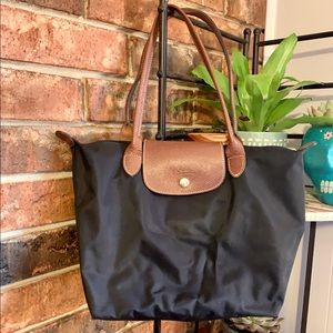 Medium Longchamp Le Pliage Shoulder Tote